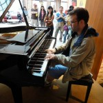 at a lunch break in the middle of the hike, I played a bit on the piano at the restaurant, which was just off the trail
